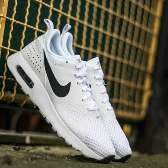 Zapatos Nike Air Max Tavas Poshmark Mujeres Blanco Poshmark Tavas 575cbd